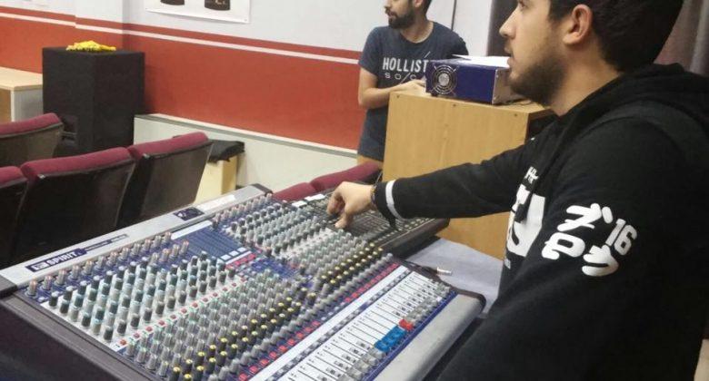 alumnos-plato-sonido